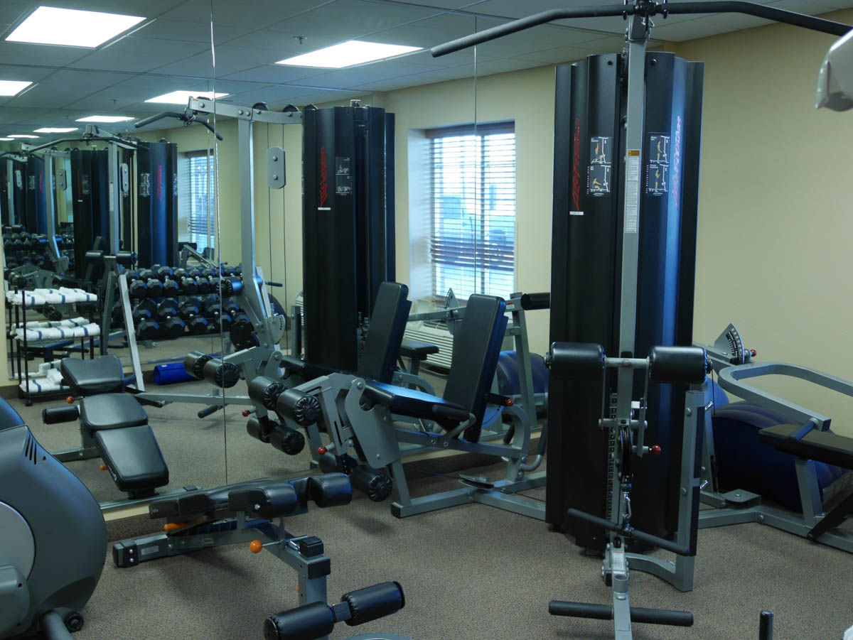 Candlewood Suites Omaha gym